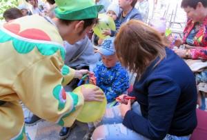 В дворике театра состоялся праздник детства